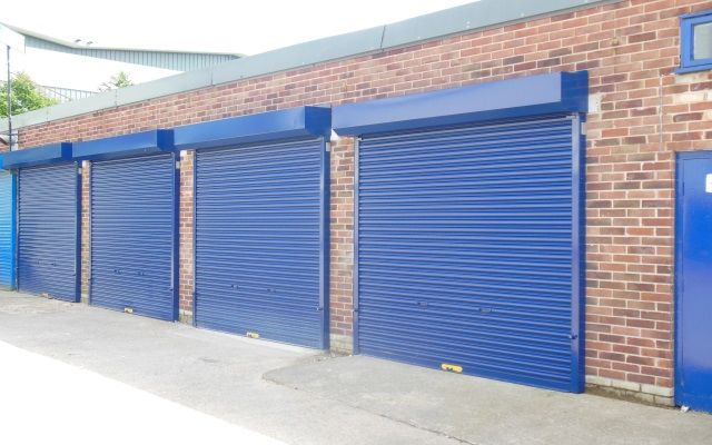 Workshop / lock-up storage unit to let.