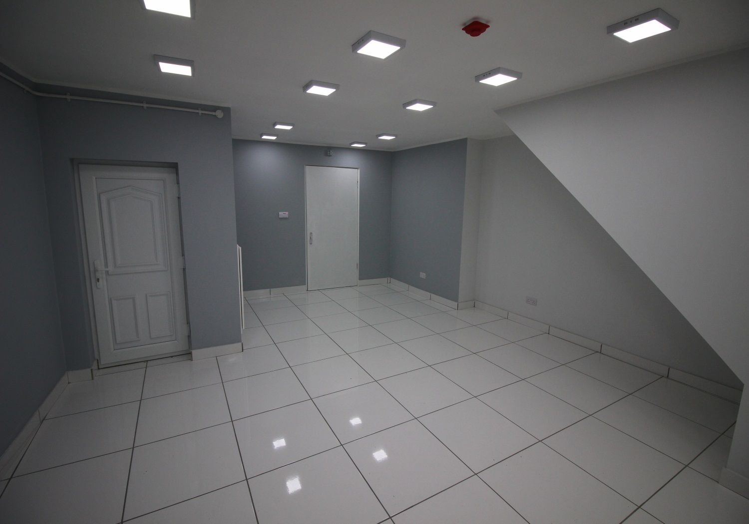 Fully refurbished town-centre lock-up retail unit.