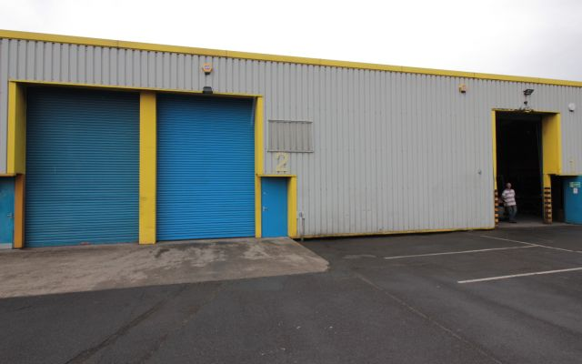 Modern industrial unit to let.